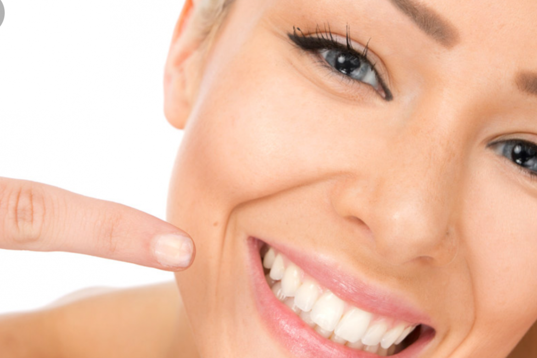 Tratamento odontológico Estético : Lentes de contato, facetas e harmonização orofacial